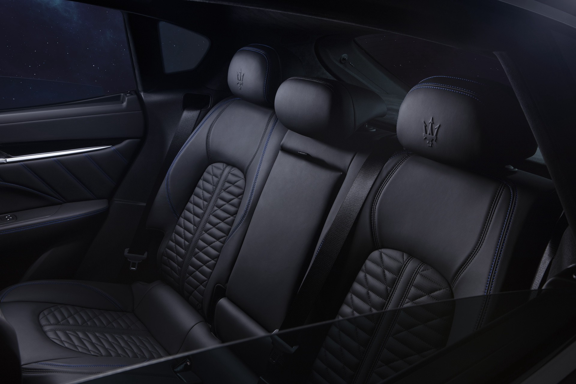 2022_Maserati_Levante_Hybrid-0033