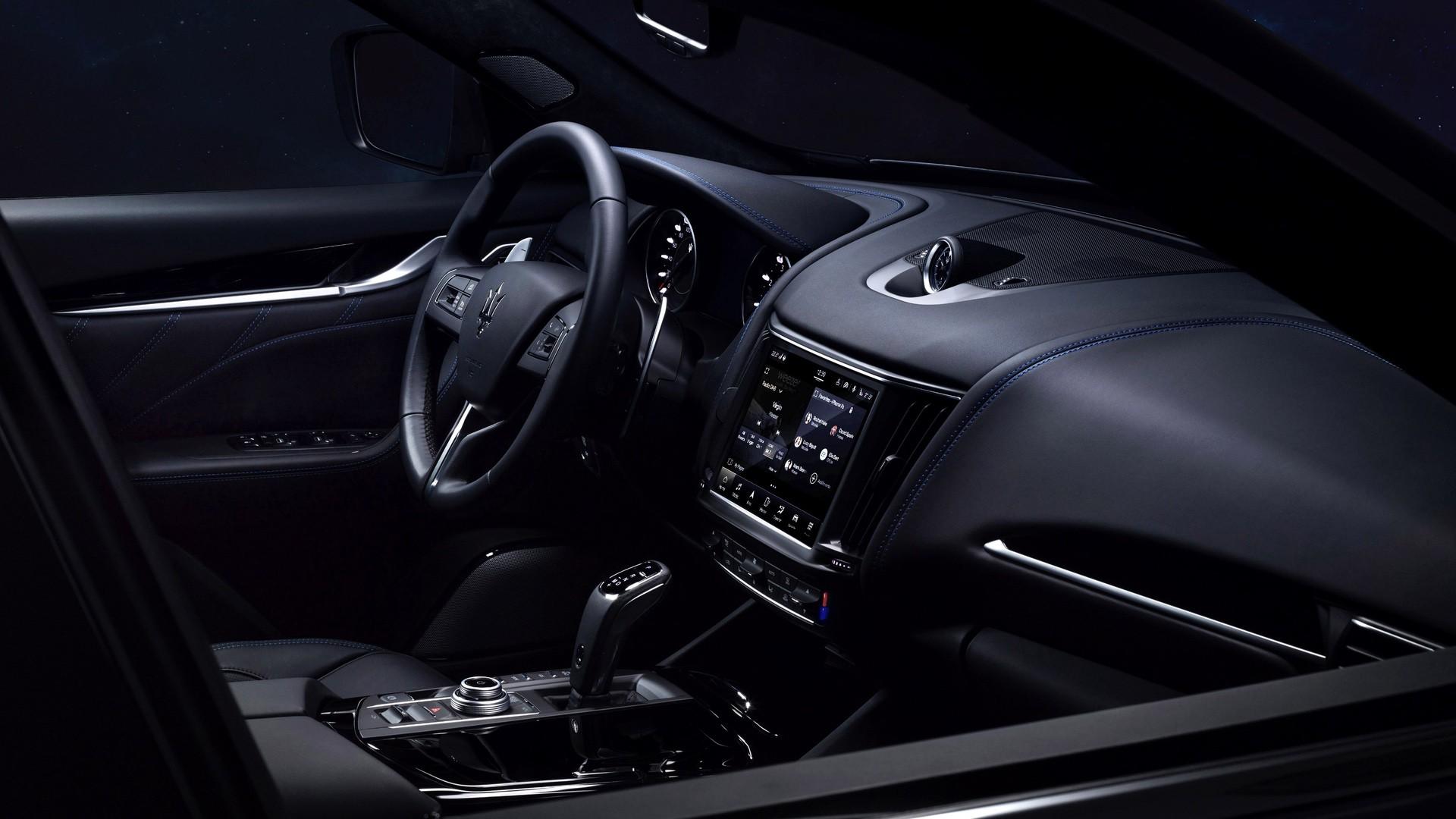 2022_Maserati_Levante_Hybrid-0036