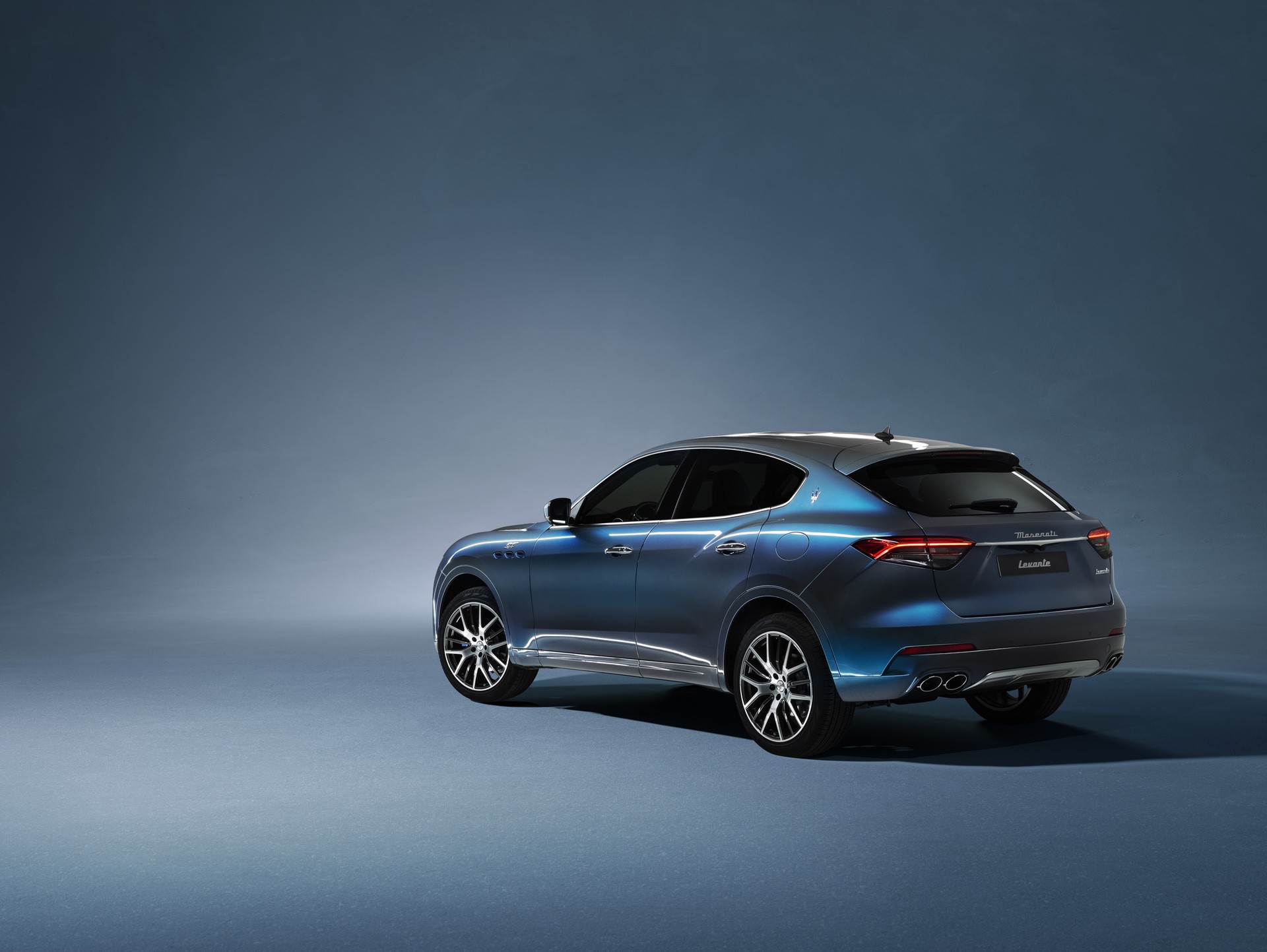2022_Maserati_Levante_Hybrid-0041