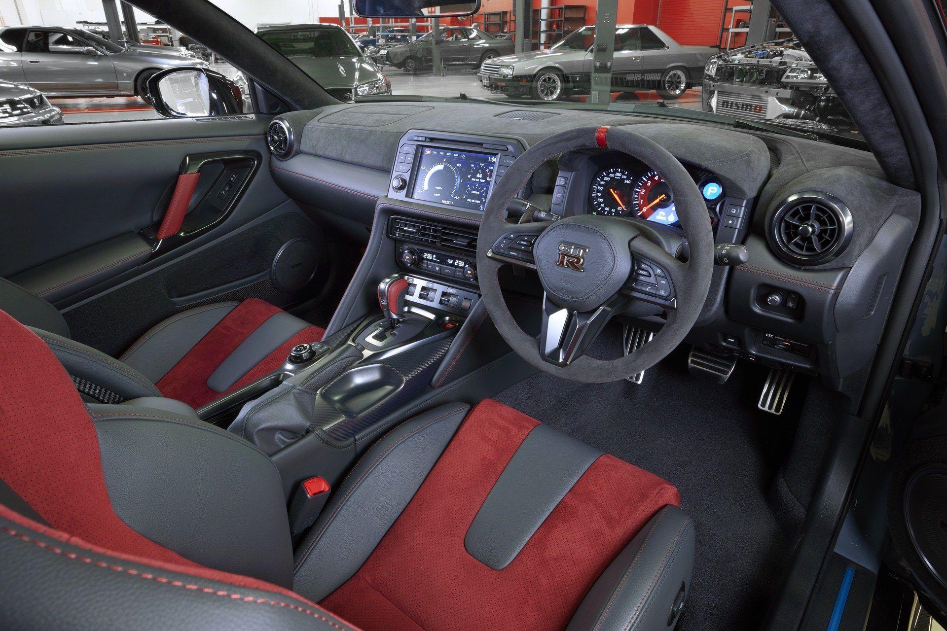 2021_Nissan_GT-R_Nismo-Special_Edition-0030