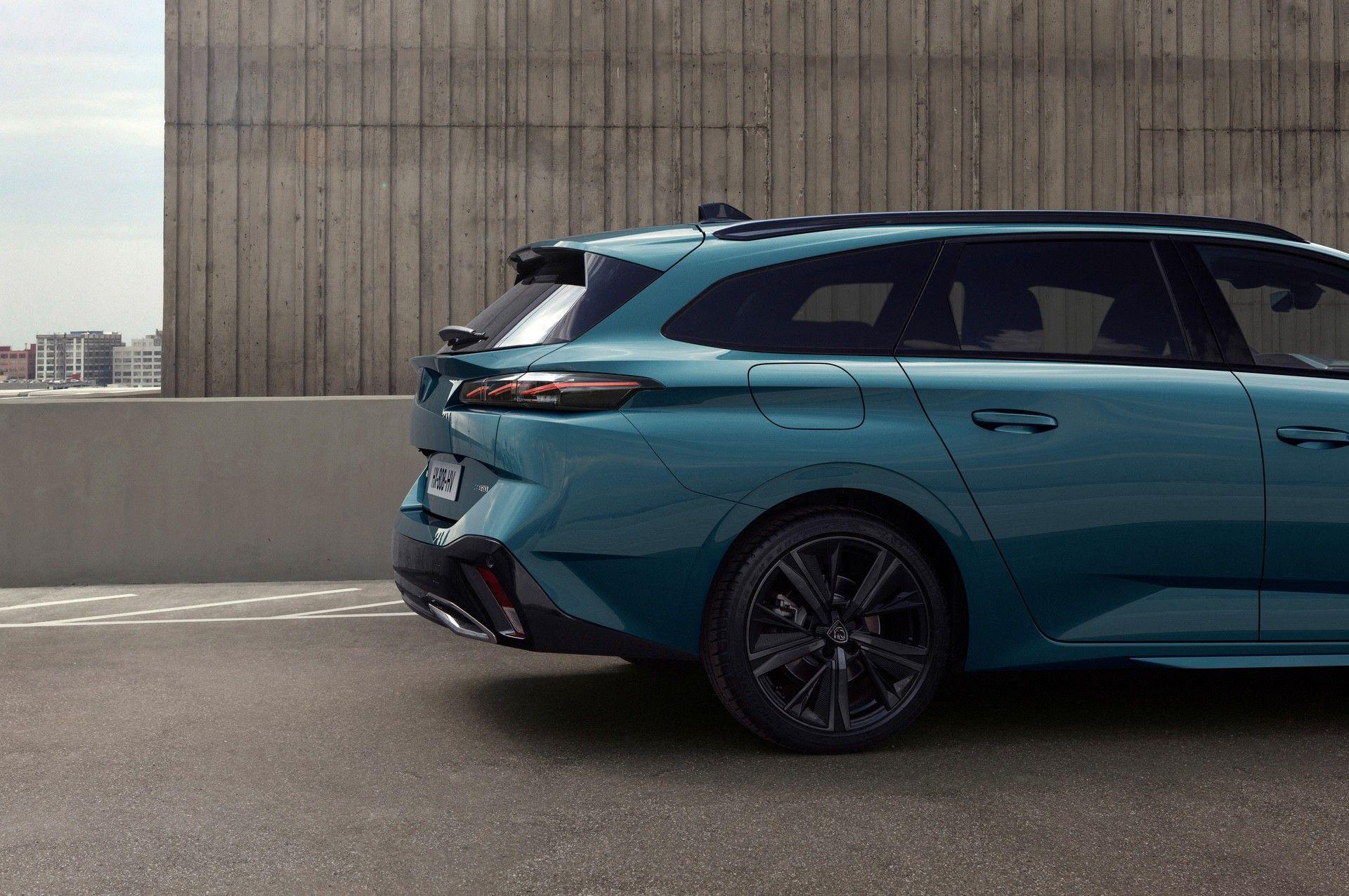 2022_Peugeot_308_SW-0025