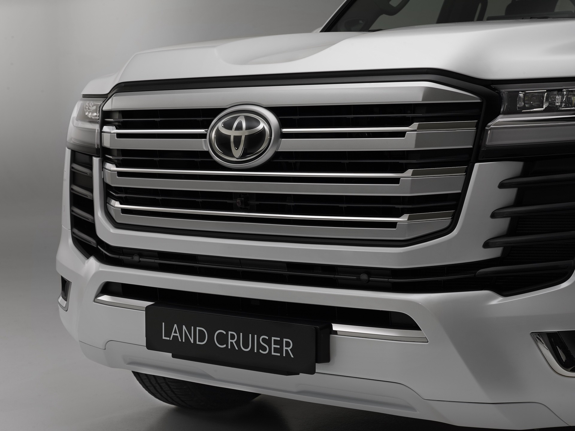 2021_Toyota_Land_Cruiser-0007