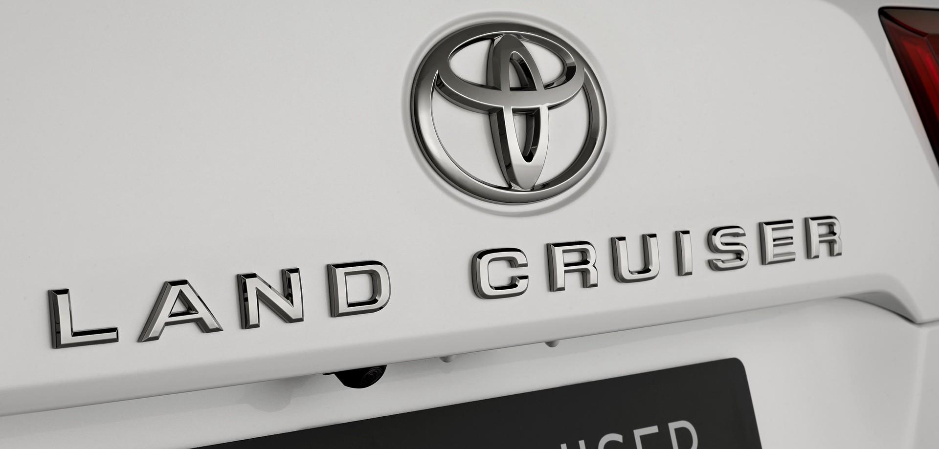 2021_Toyota_Land_Cruiser-0009