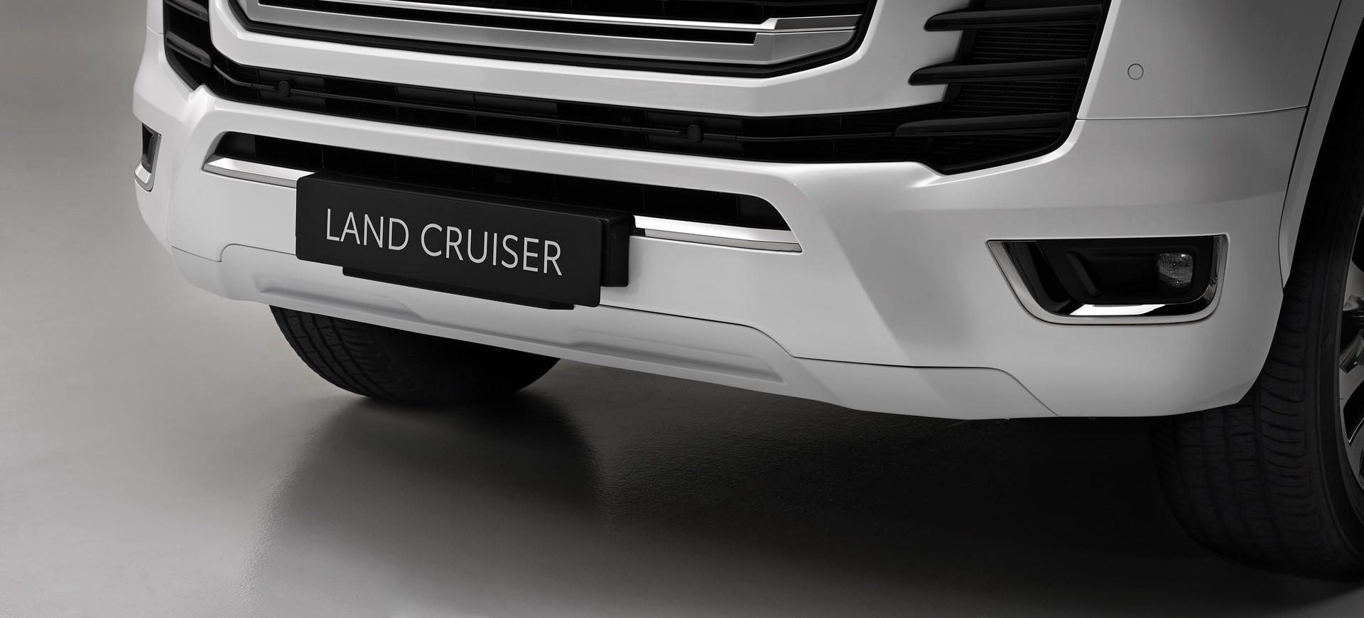 2021_Toyota_Land_Cruiser-0010