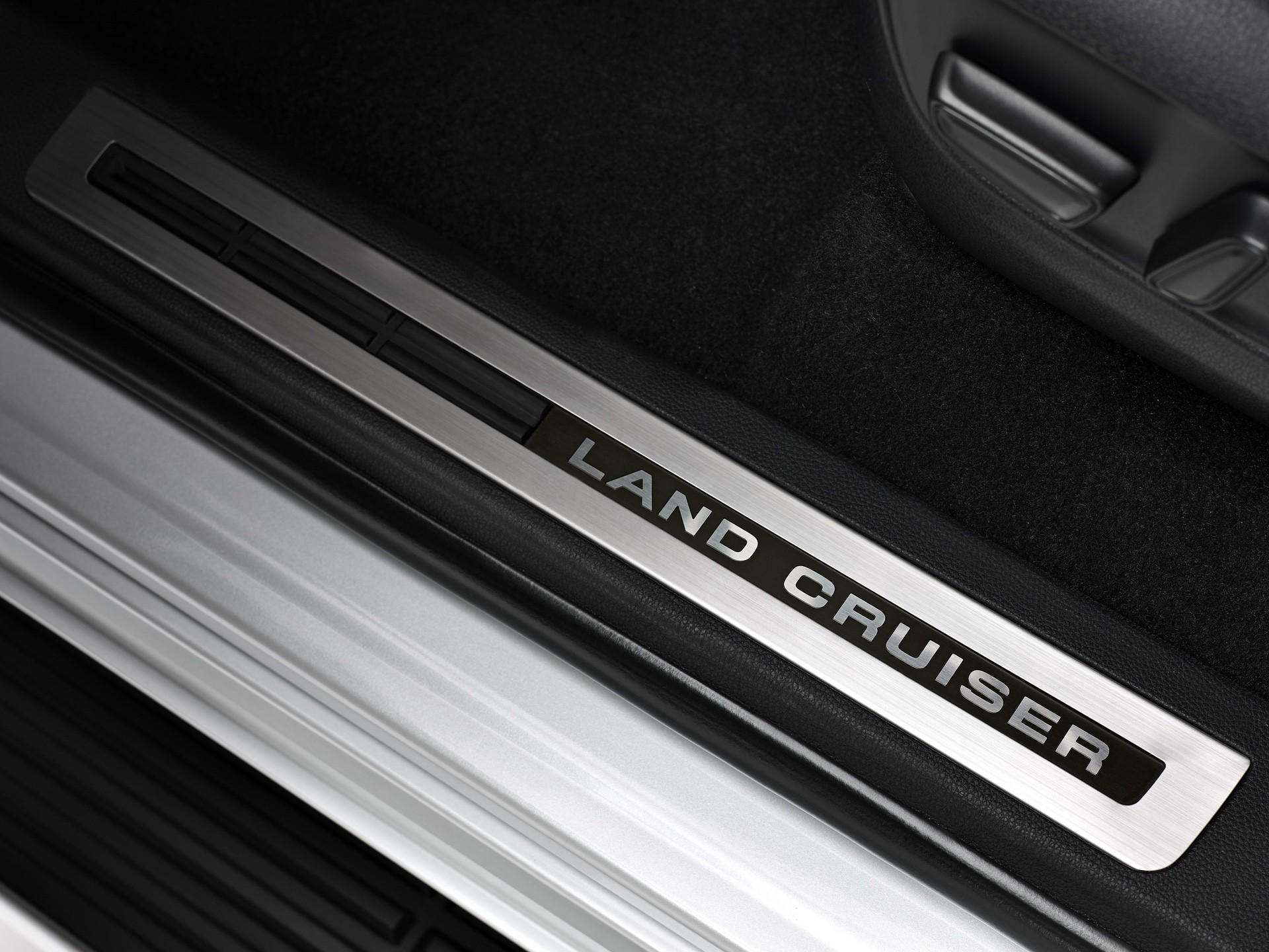 2021_Toyota_Land_Cruiser-0023