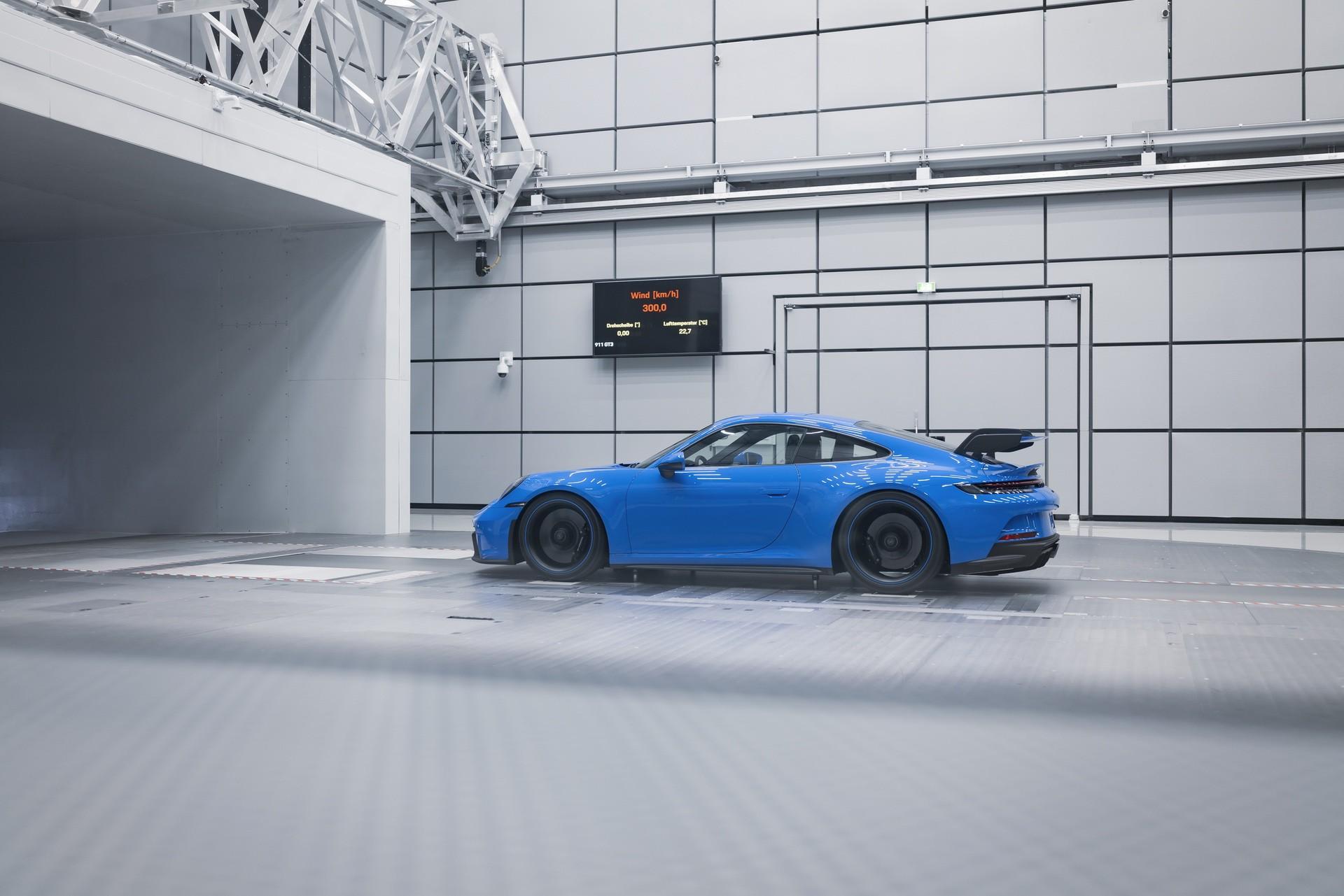 911_GT3-0009