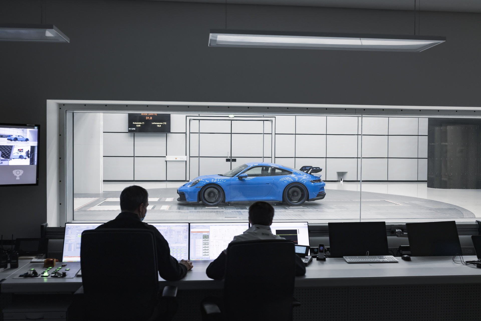 911_GT3-0010