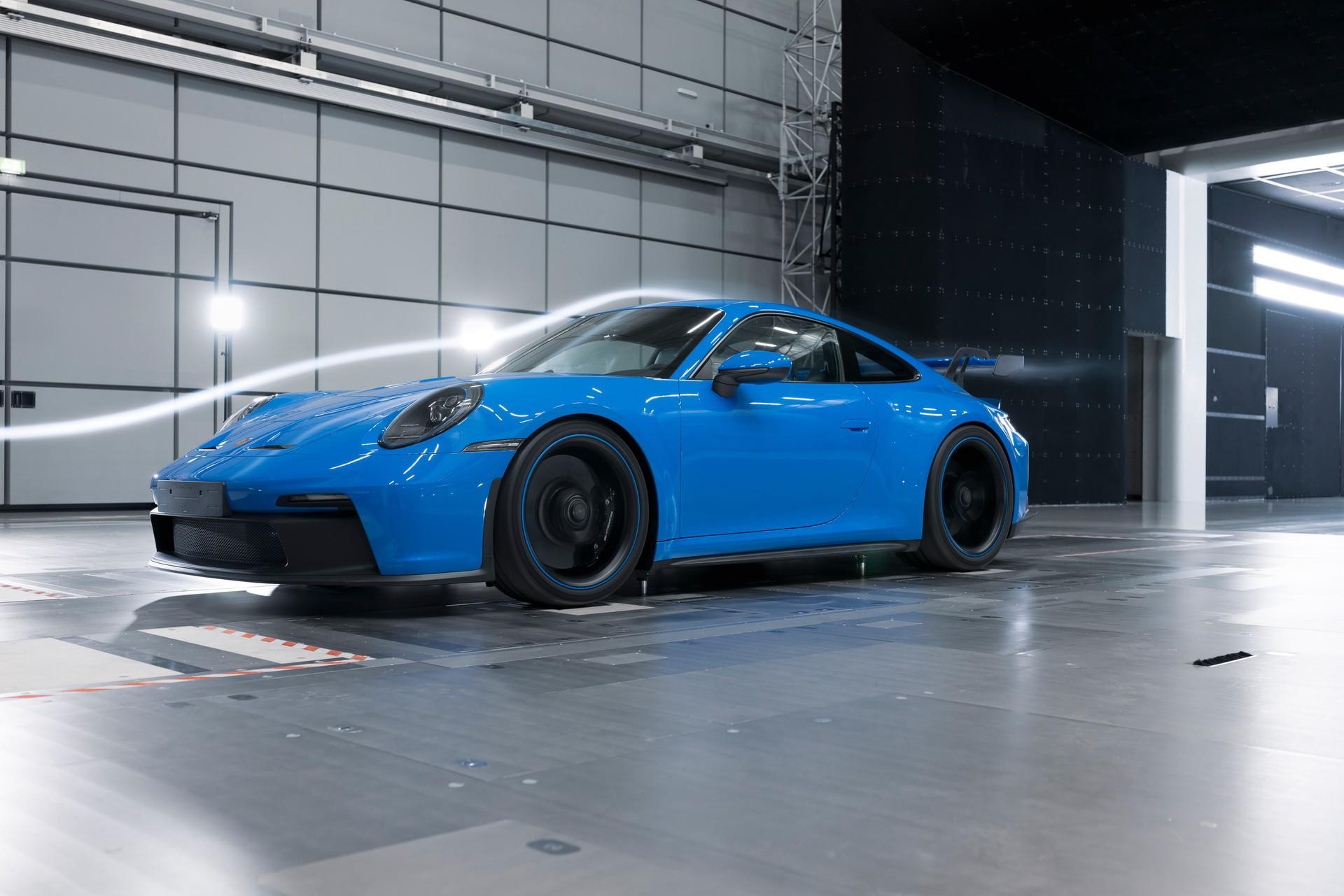 911_GT3-0013