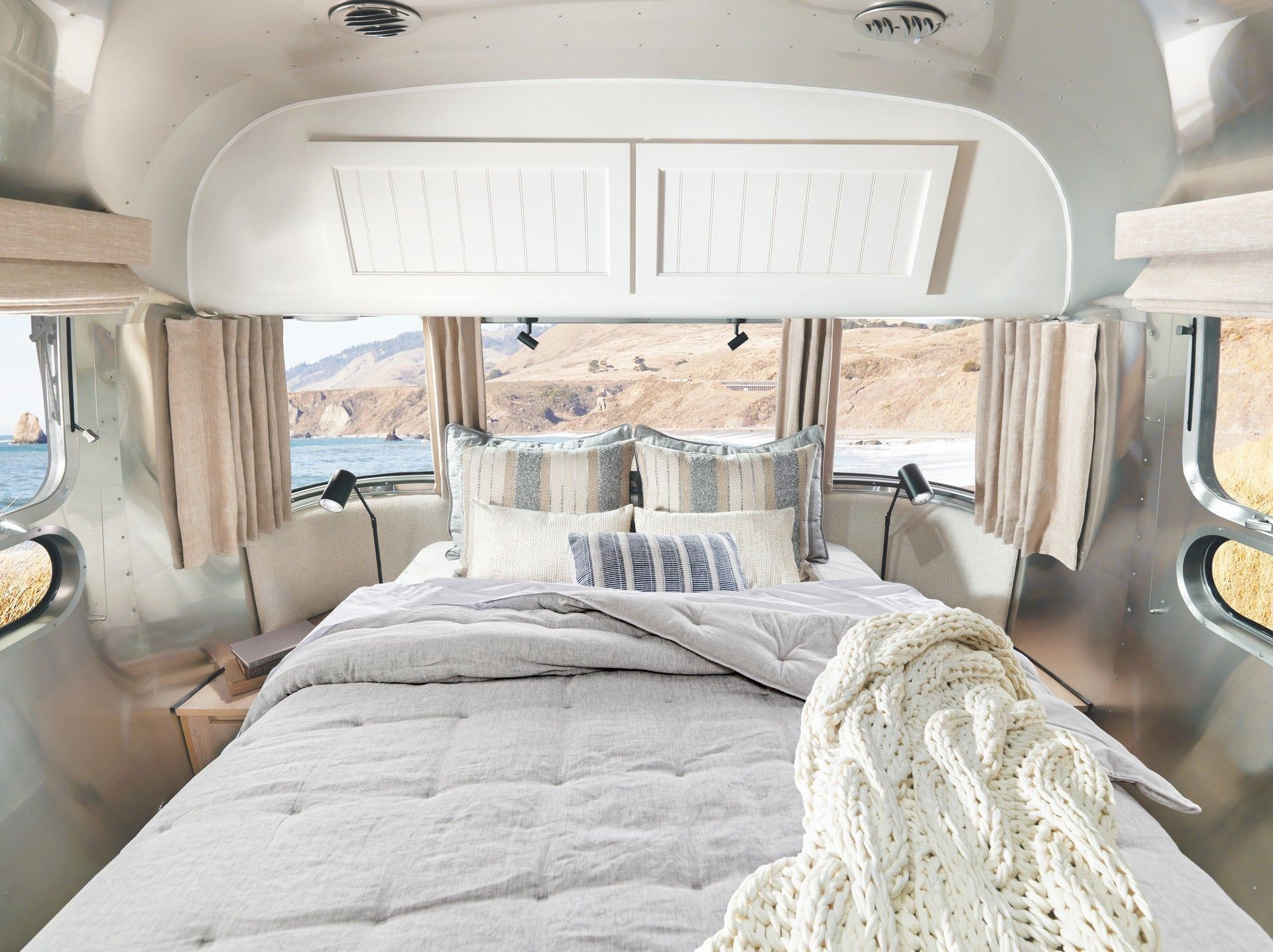 Airstream_Pottery_Barn_Special_Edition-0005