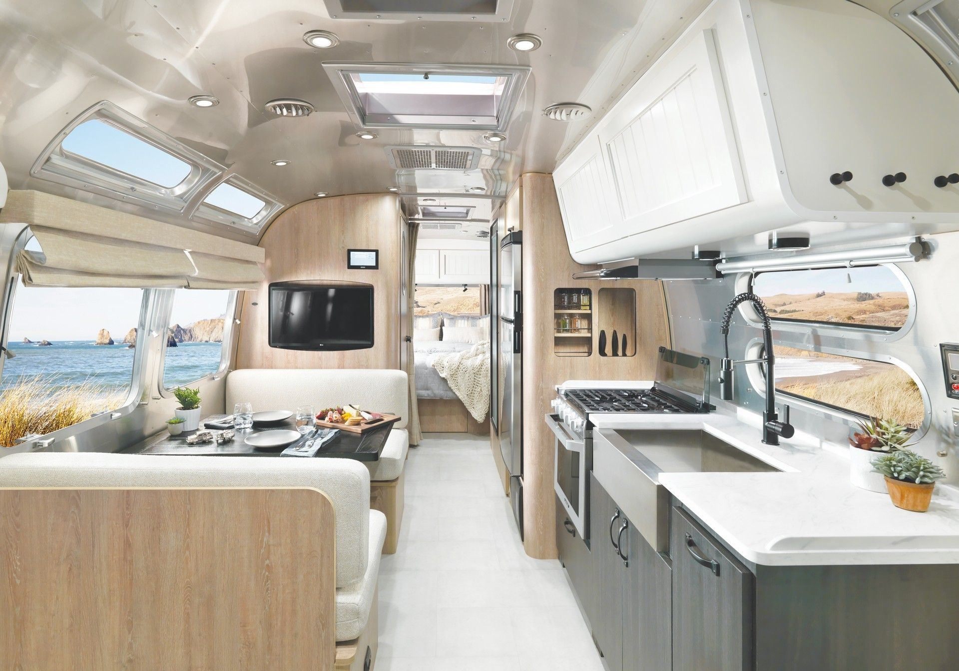 Airstream_Pottery_Barn_Special_Edition-0008