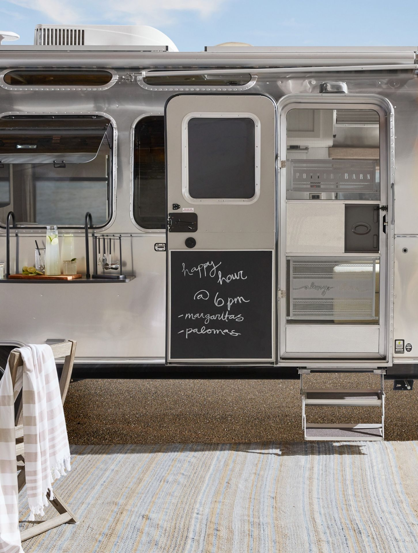 Airstream_Pottery_Barn_Special_Edition-0021