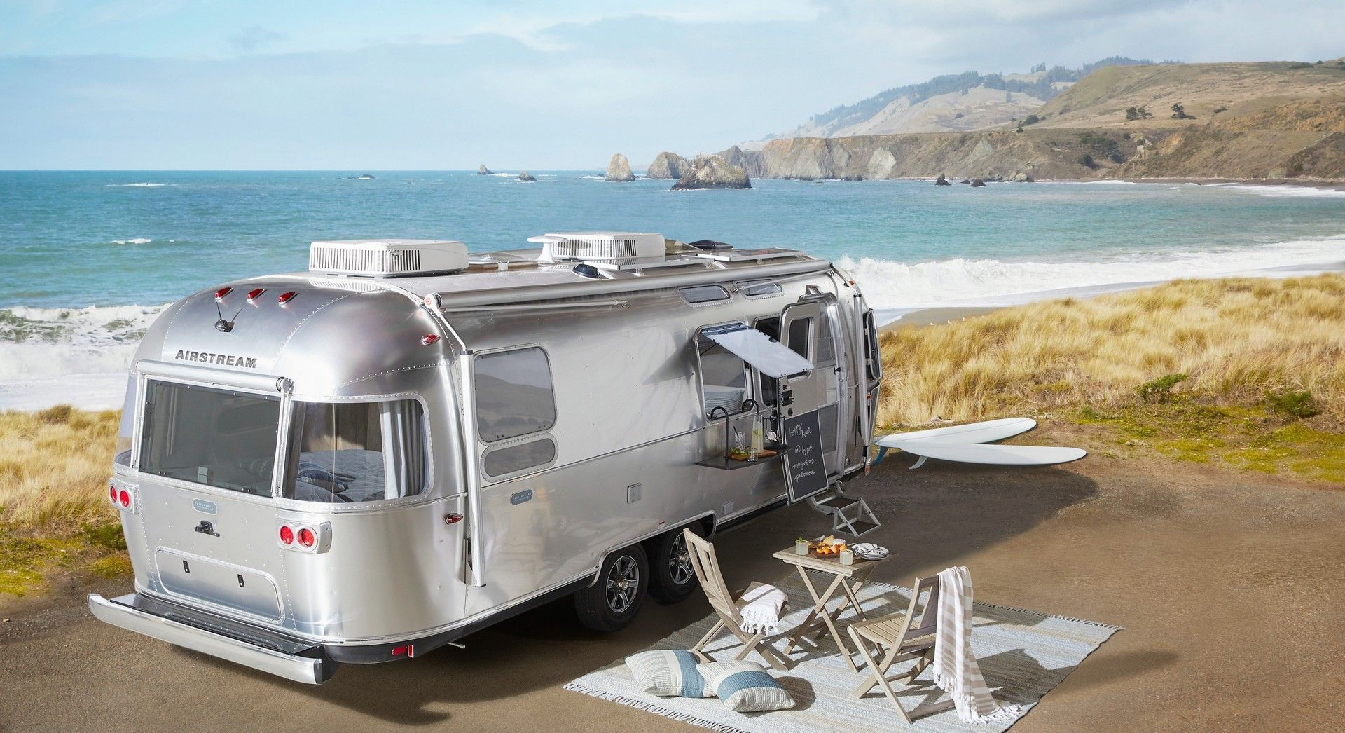 Airstream_Pottery_Barn_Special_Edition-0023