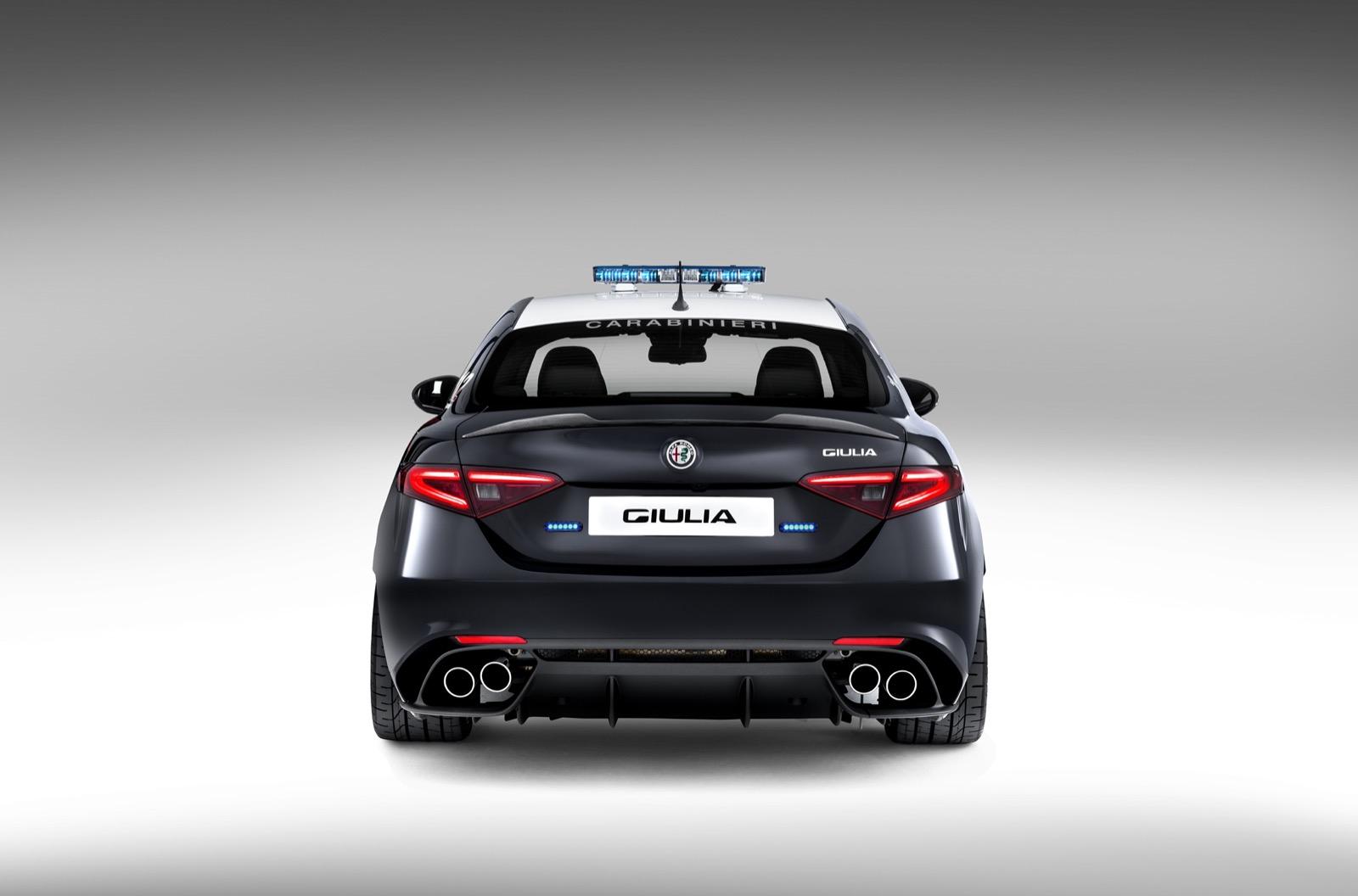 Alfa-Romeo-Giulia-Italy-Police-3