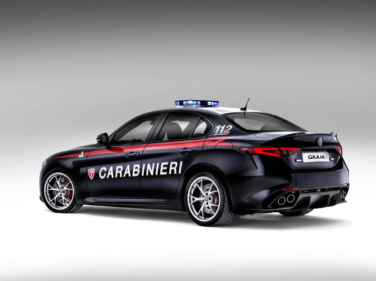 Alfa-Romeo-Giulia-Italy-Police-4