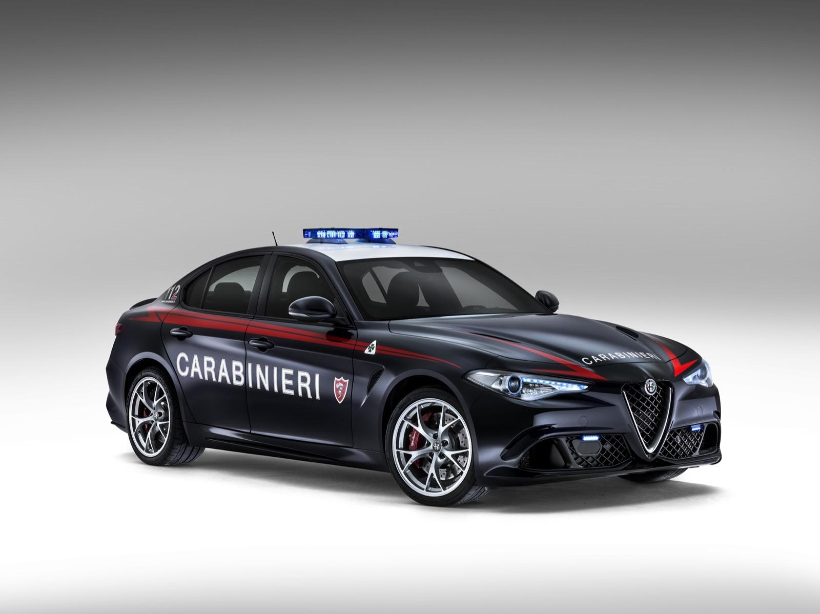 Alfa-Romeo-Giulia-Italy-Police-6