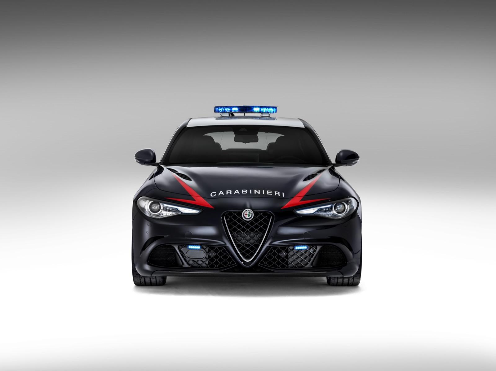 Alfa-Romeo-Giulia-Italy-Police-7