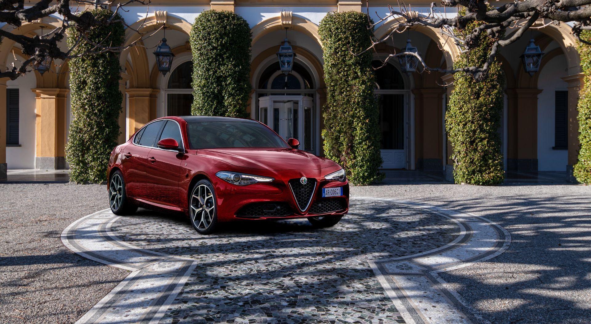 Alfa-Romeo-Giulia-and-Stelvio-6C-Villa-dEste-15
