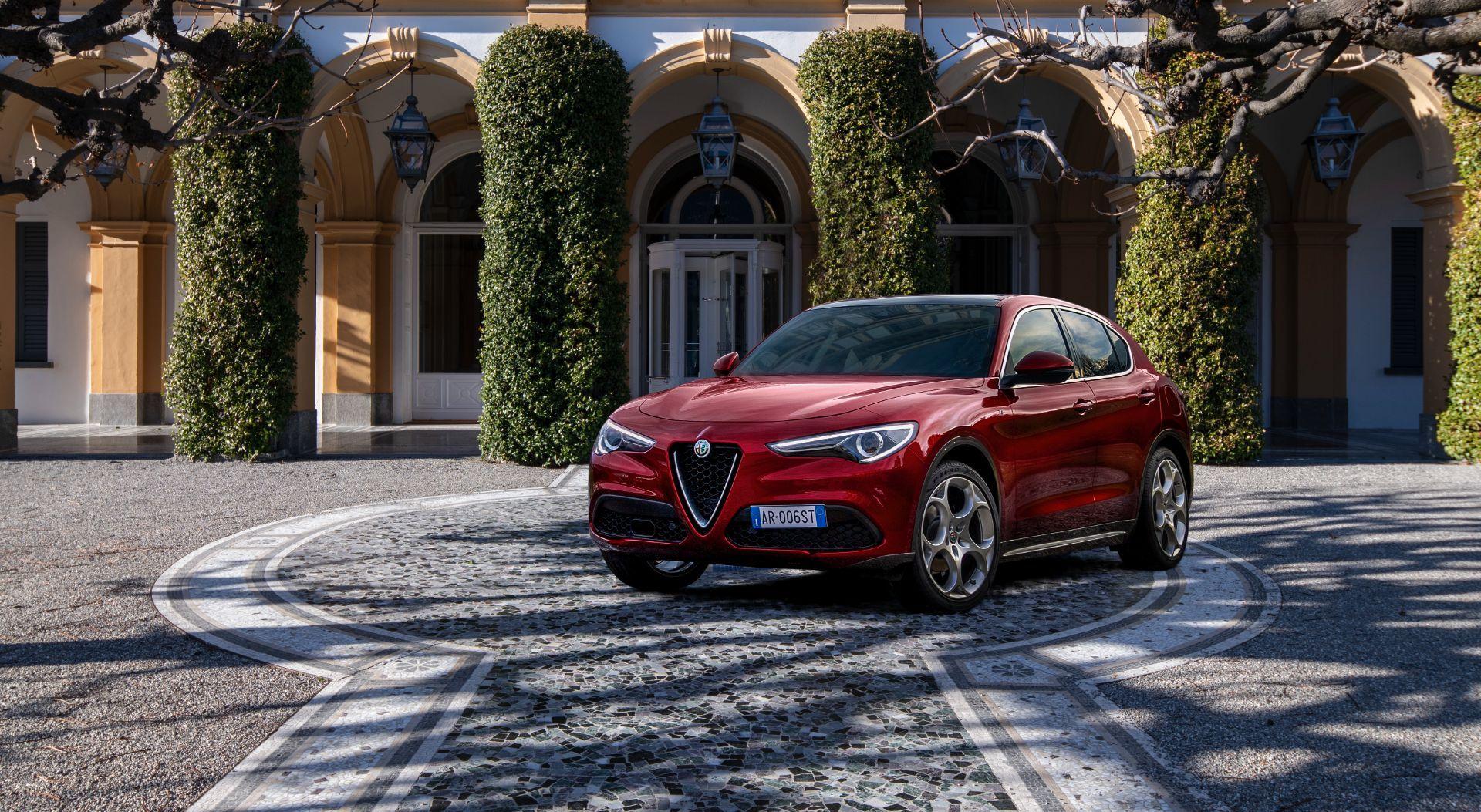 Alfa-Romeo-Giulia-and-Stelvio-6C-Villa-dEste-4