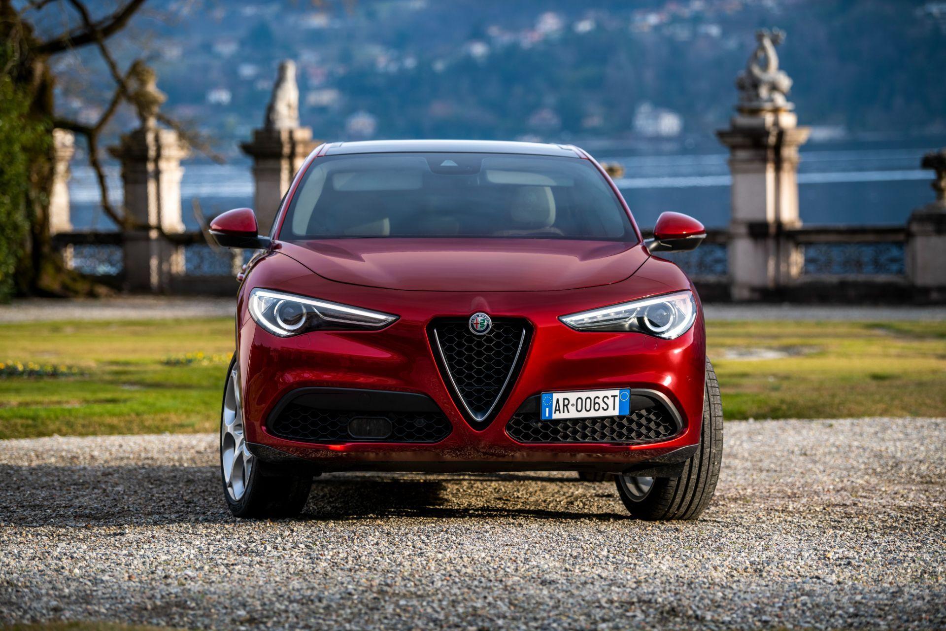 Alfa-Romeo-Giulia-and-Stelvio-6C-Villa-dEste-7