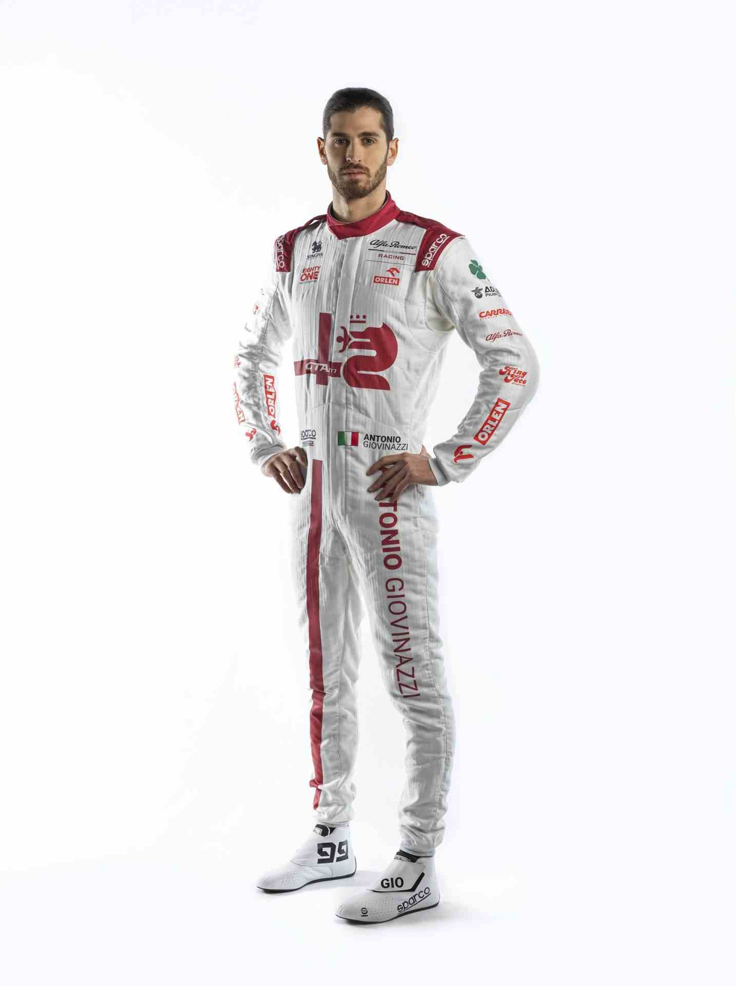 Antonio-Giovinazzi-Race-Suit-1