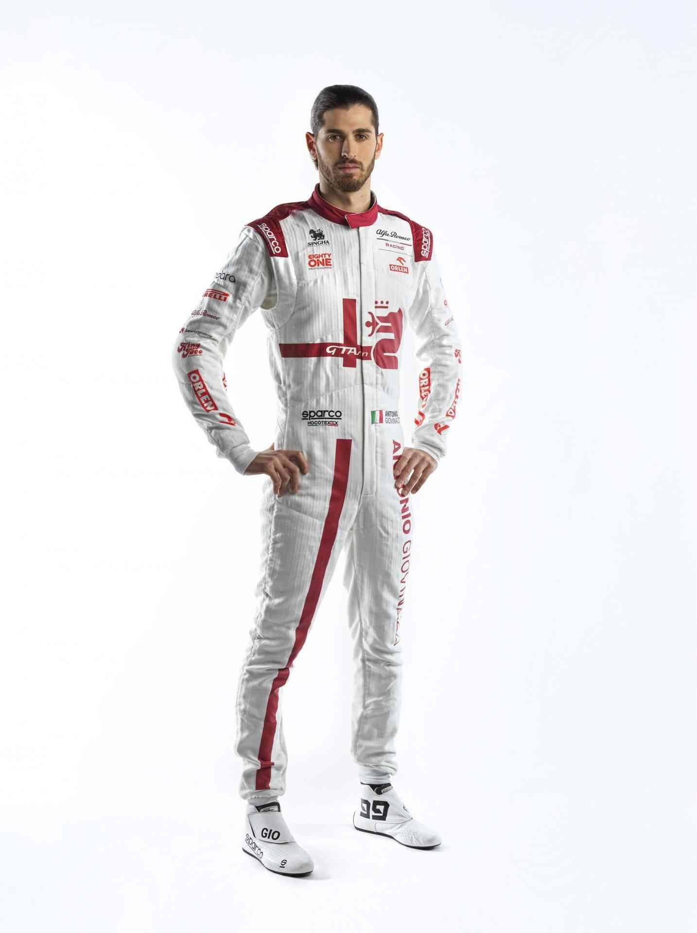 Antonio-Giovinazzi-Race-Suit-2