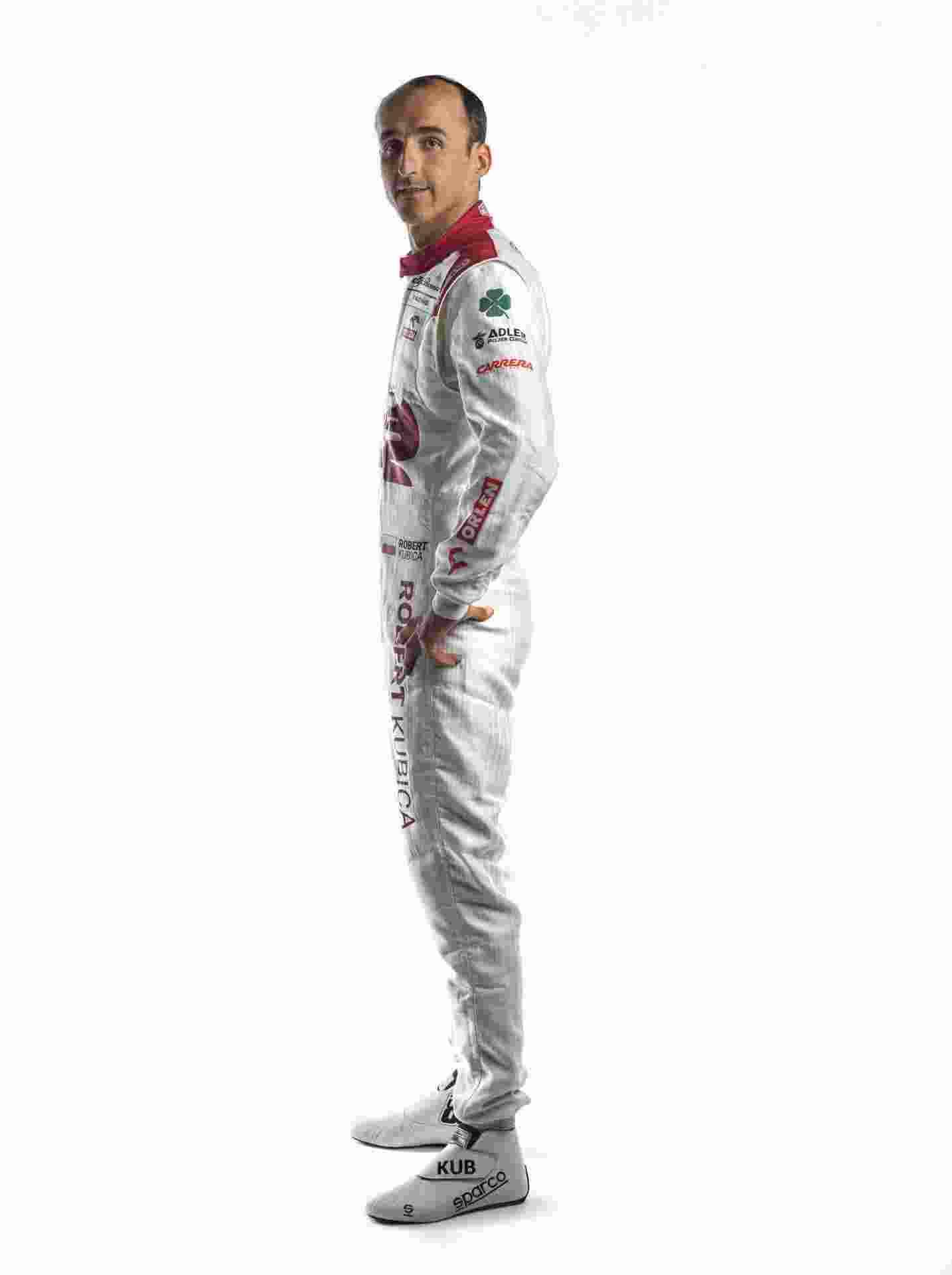 Robert-Kubica-Race-Suit-4