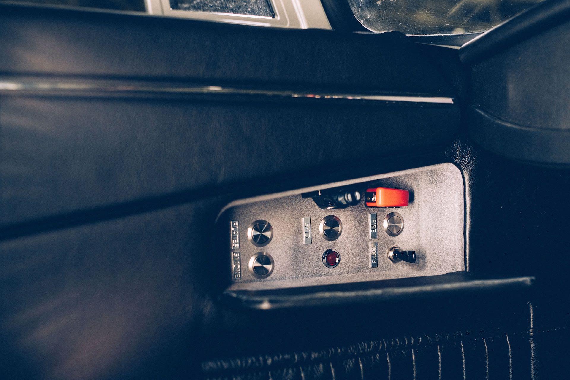 Aston-Martin-DB5-Junior-James-Bond-Edition-10