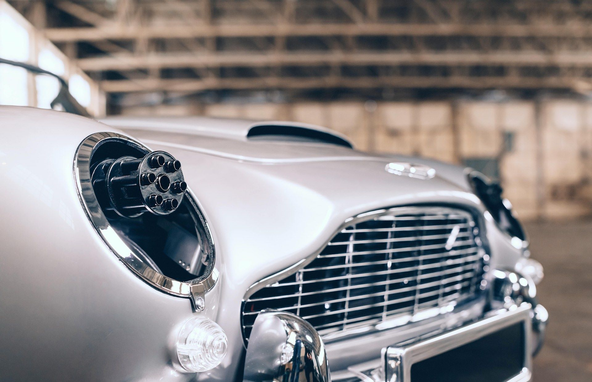 Aston-Martin-DB5-Junior-James-Bond-Edition-6