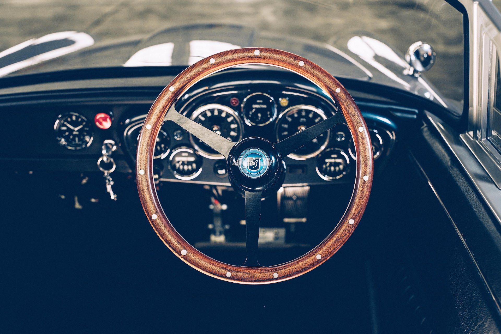 Aston-Martin-DB5-Junior-James-Bond-Edition-8