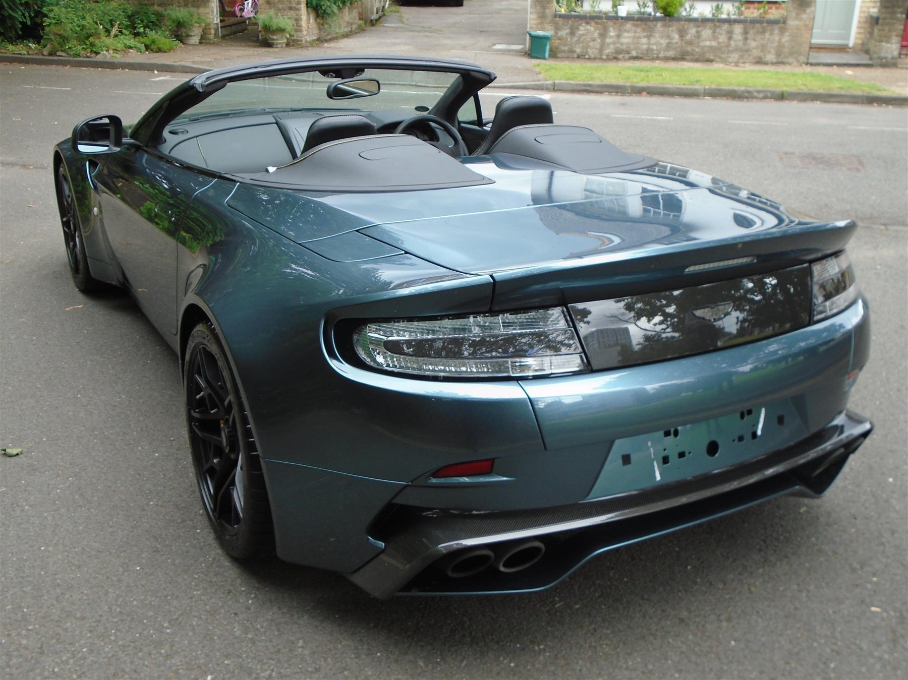 Aston_Martin_V12_Vantage_V600_Roadster_sale-0004