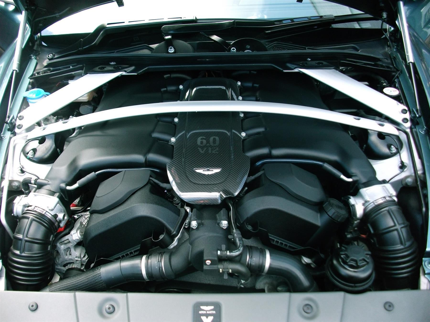 Aston_Martin_V12_Vantage_V600_Roadster_sale-0008