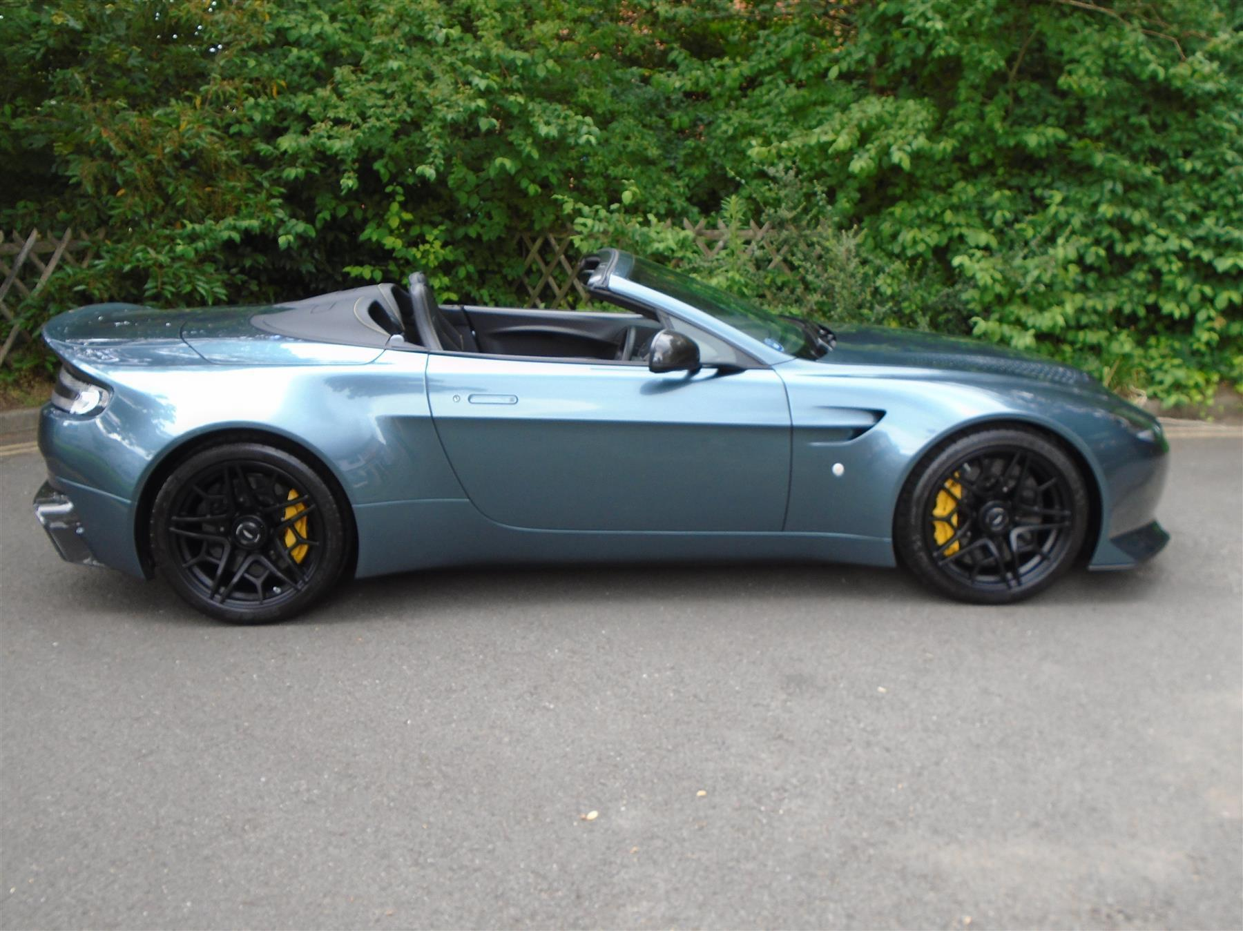 Aston_Martin_V12_Vantage_V600_Roadster_sale-0009