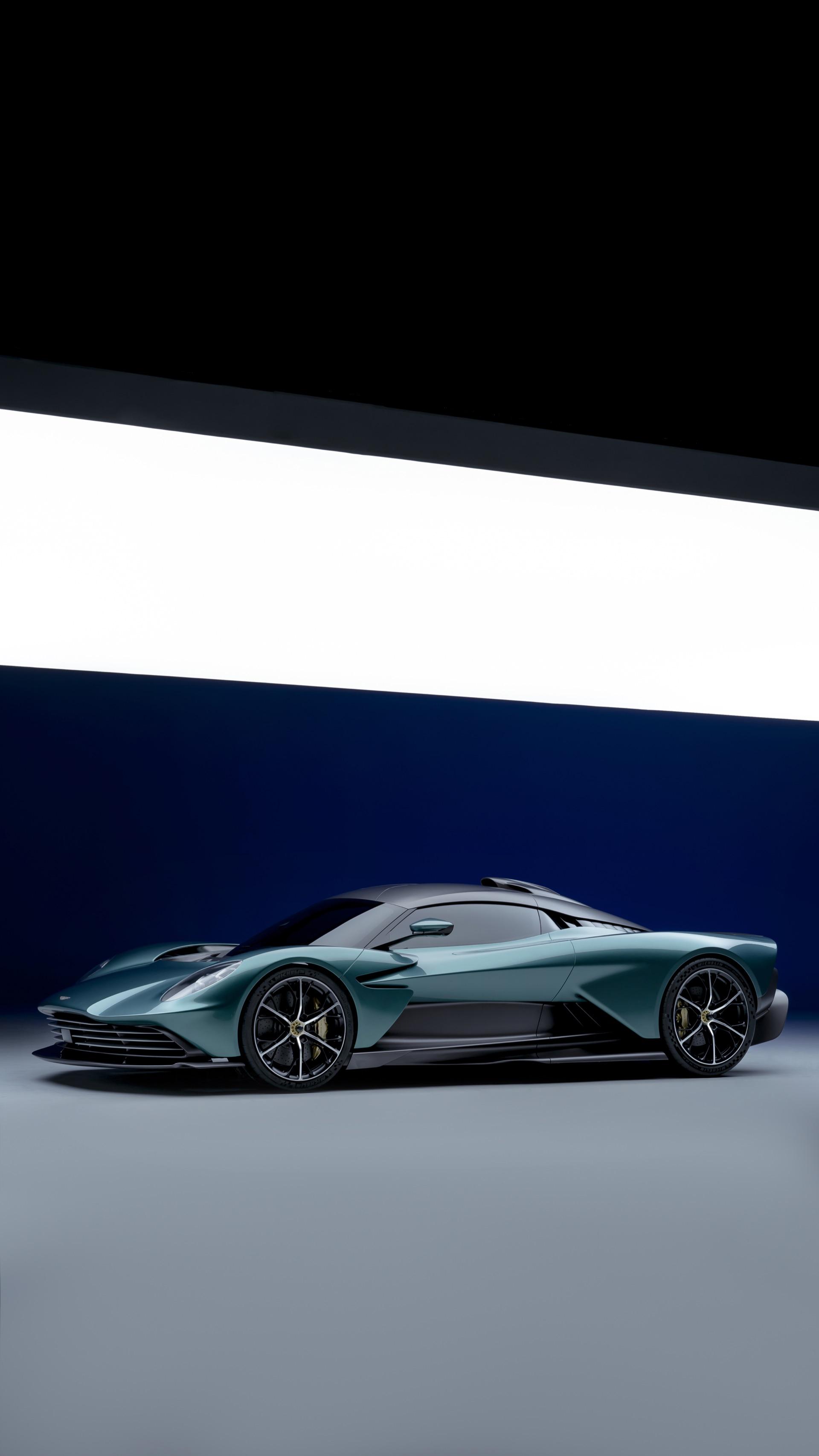 Aston-Martin-Valhalla-10