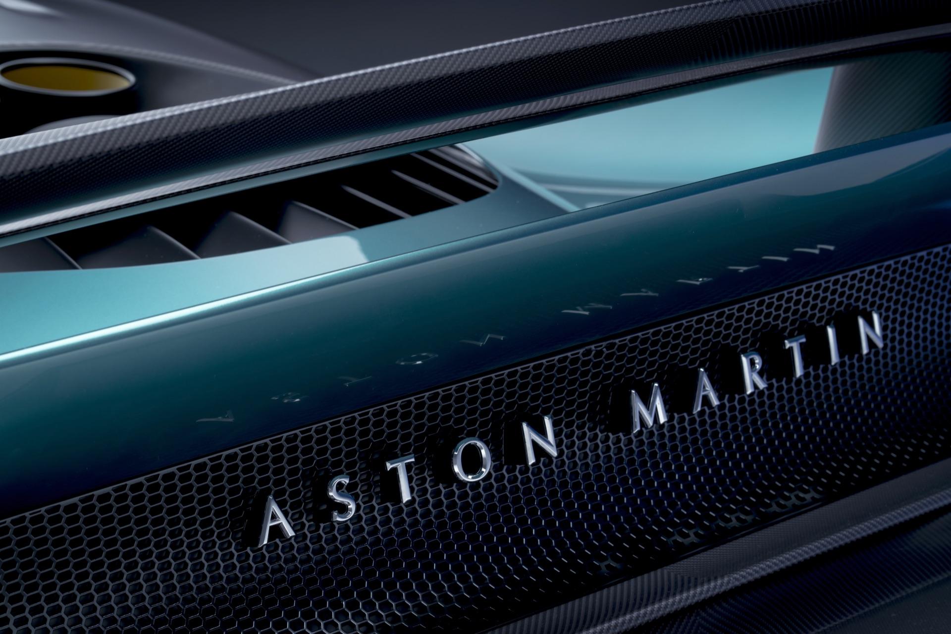 Aston-Martin-Valhalla-11