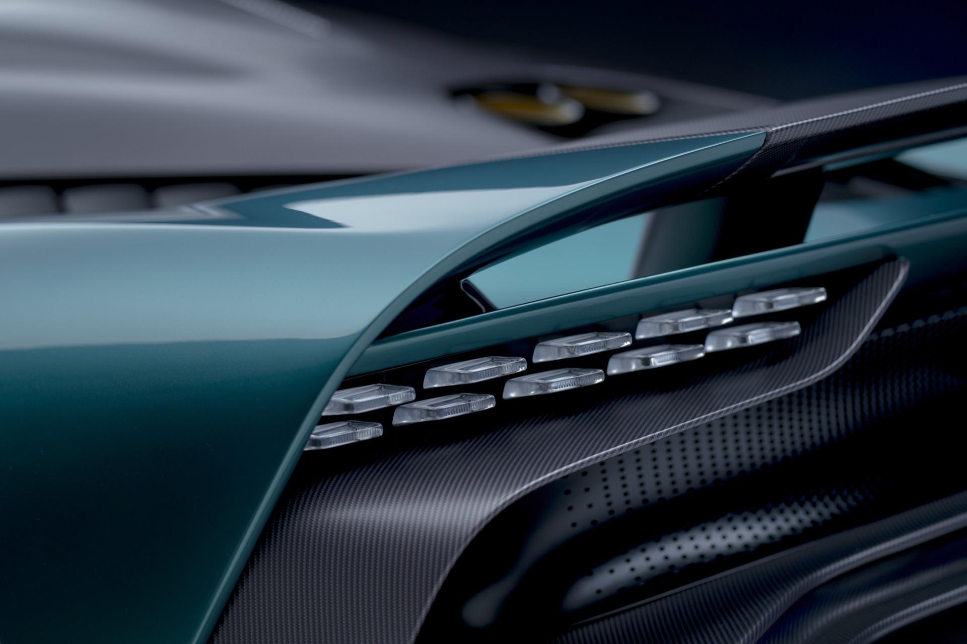 Aston-Martin-Valhalla-12