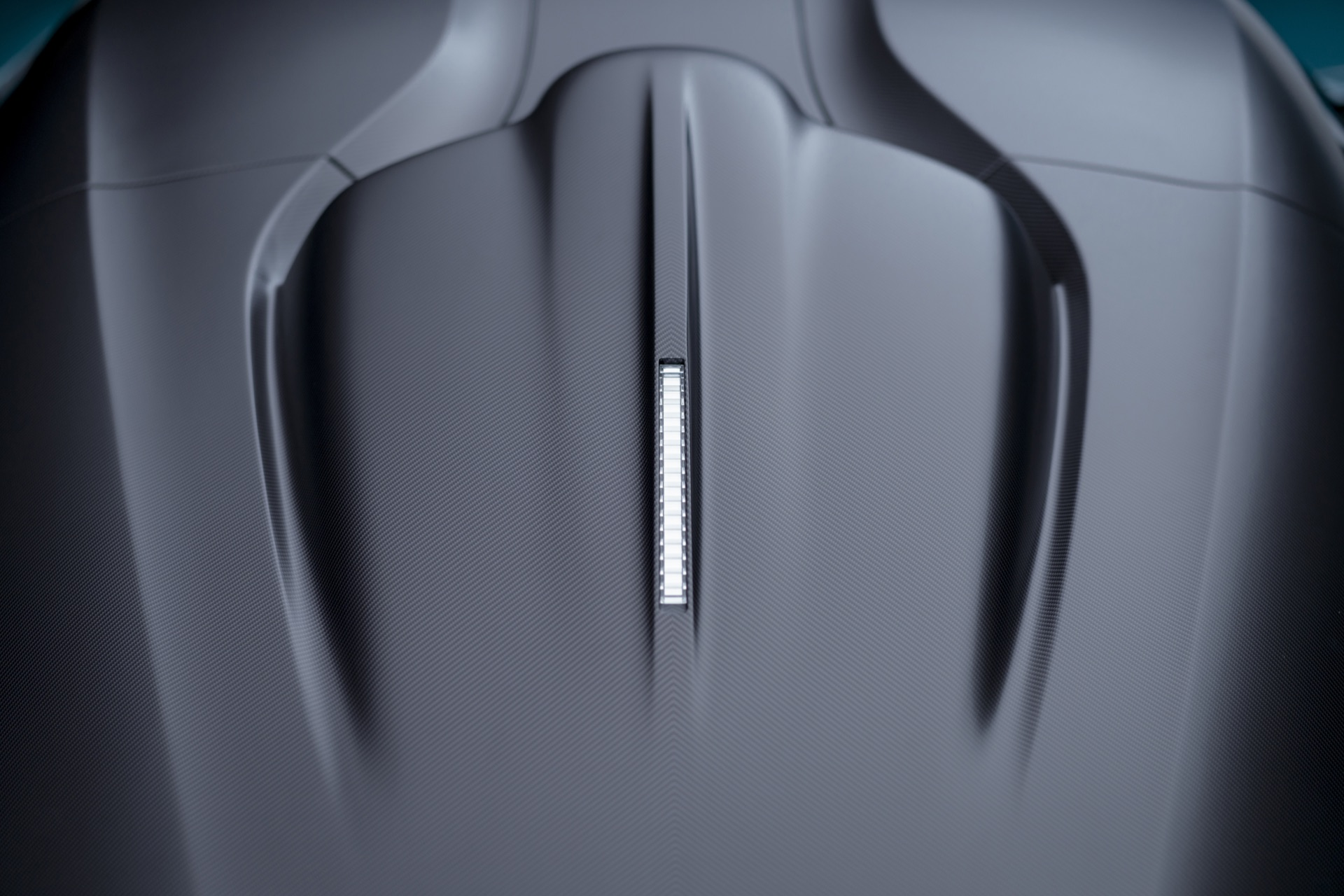 Aston-Martin-Valhalla-15