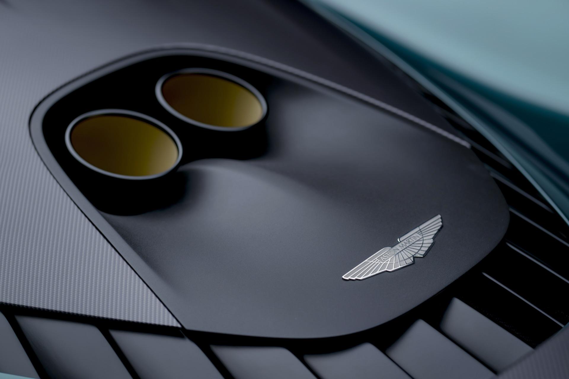 Aston-Martin-Valhalla-9