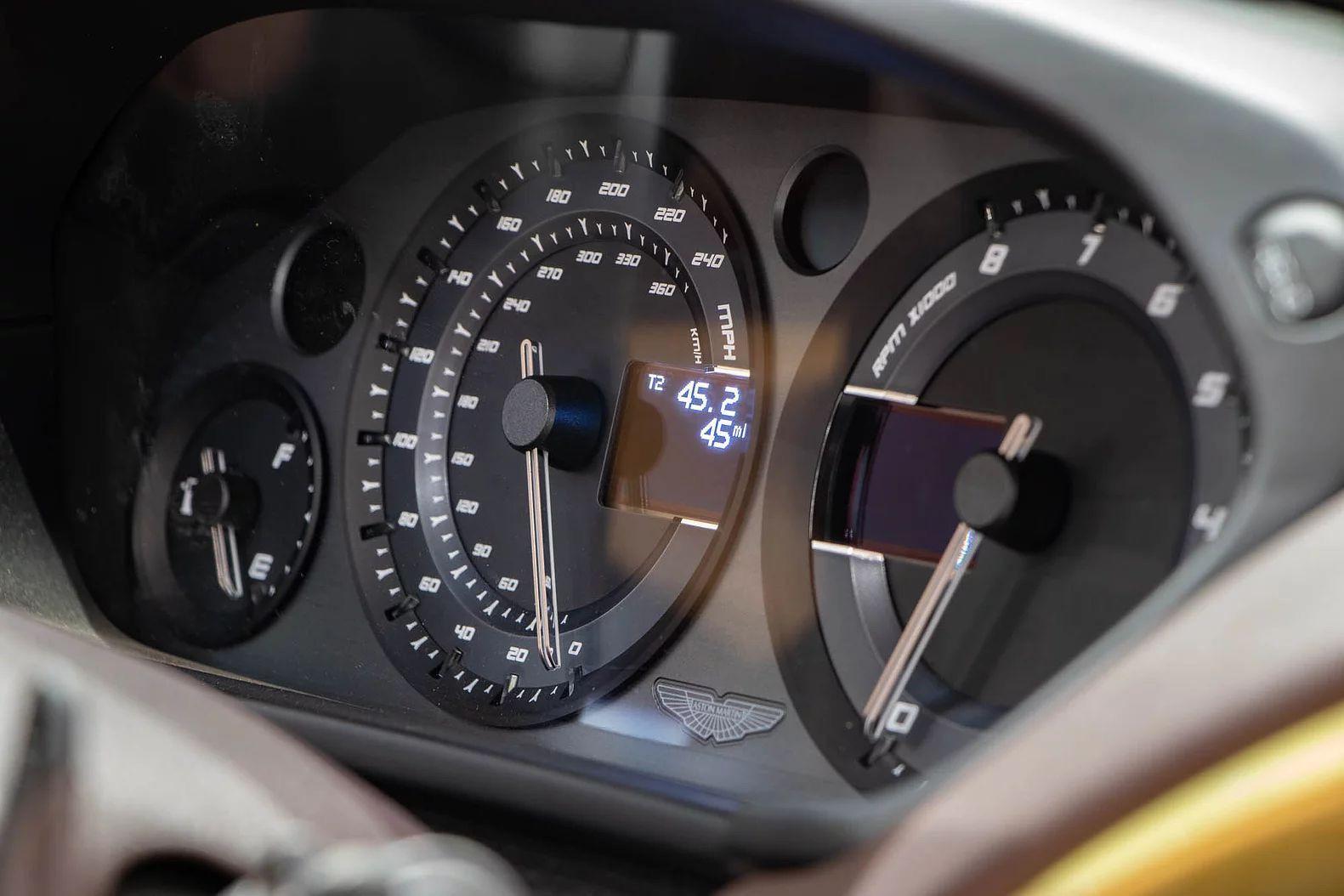 Aston_Martin_Vanquish_Speedster_sale-0009