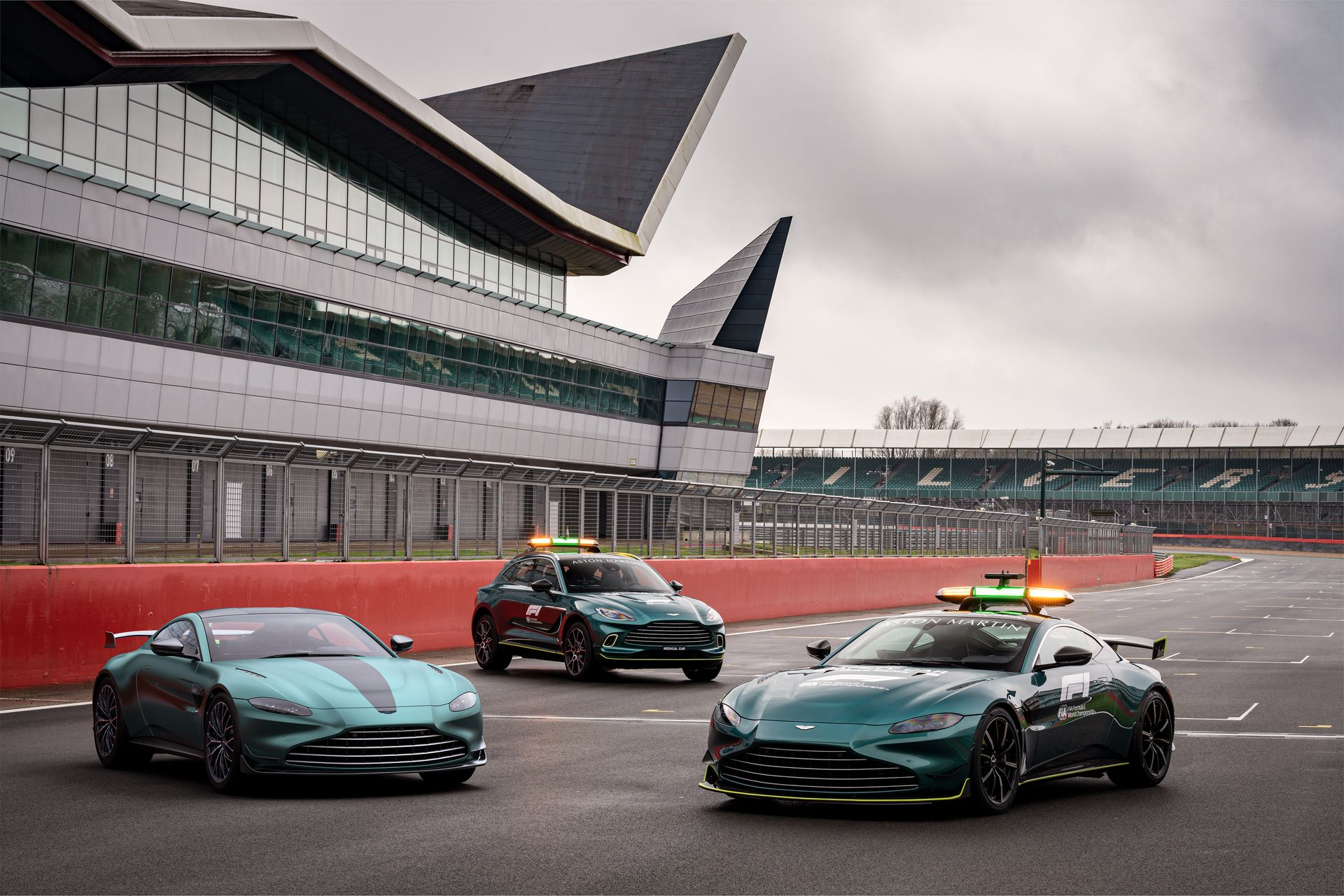 Aston-Martin-Vantage-F1-Edition-10