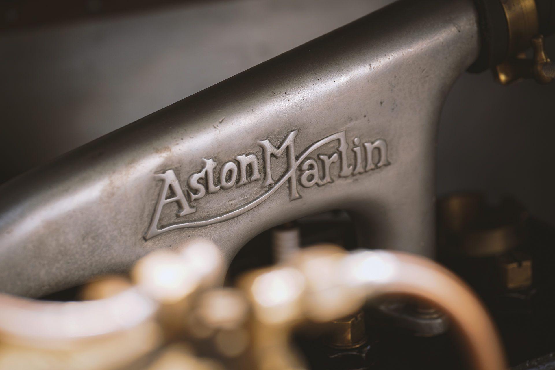 Aston-Martin-Vantage-Roadster-A3-19