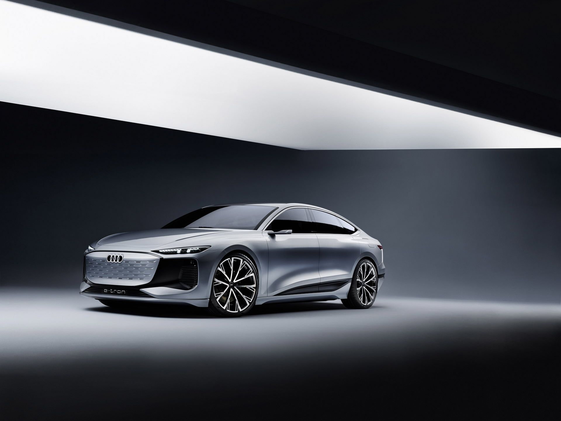 Audi-A6-e-tron-concept-34