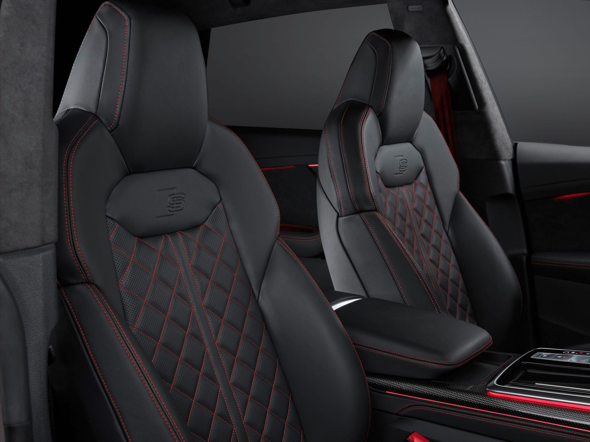 Audi-A4-A5-Q7-Q8-Competition-And-Competition-Plus-Trims-31
