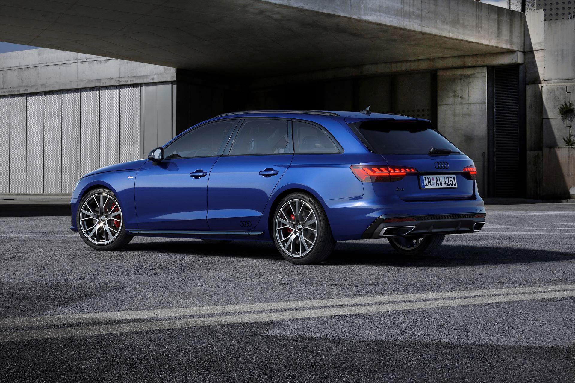 Audi-A4-A5-Q7-Q8-Competition-And-Competition-Plus-Trims-54