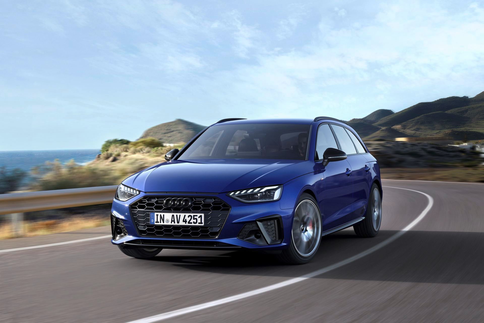 Audi-A4-A5-Q7-Q8-Competition-And-Competition-Plus-Trims-58