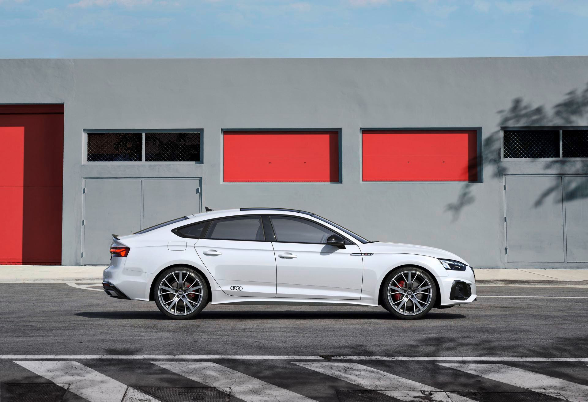 Audi-A4-A5-Q7-Q8-Competition-And-Competition-Plus-Trims-62