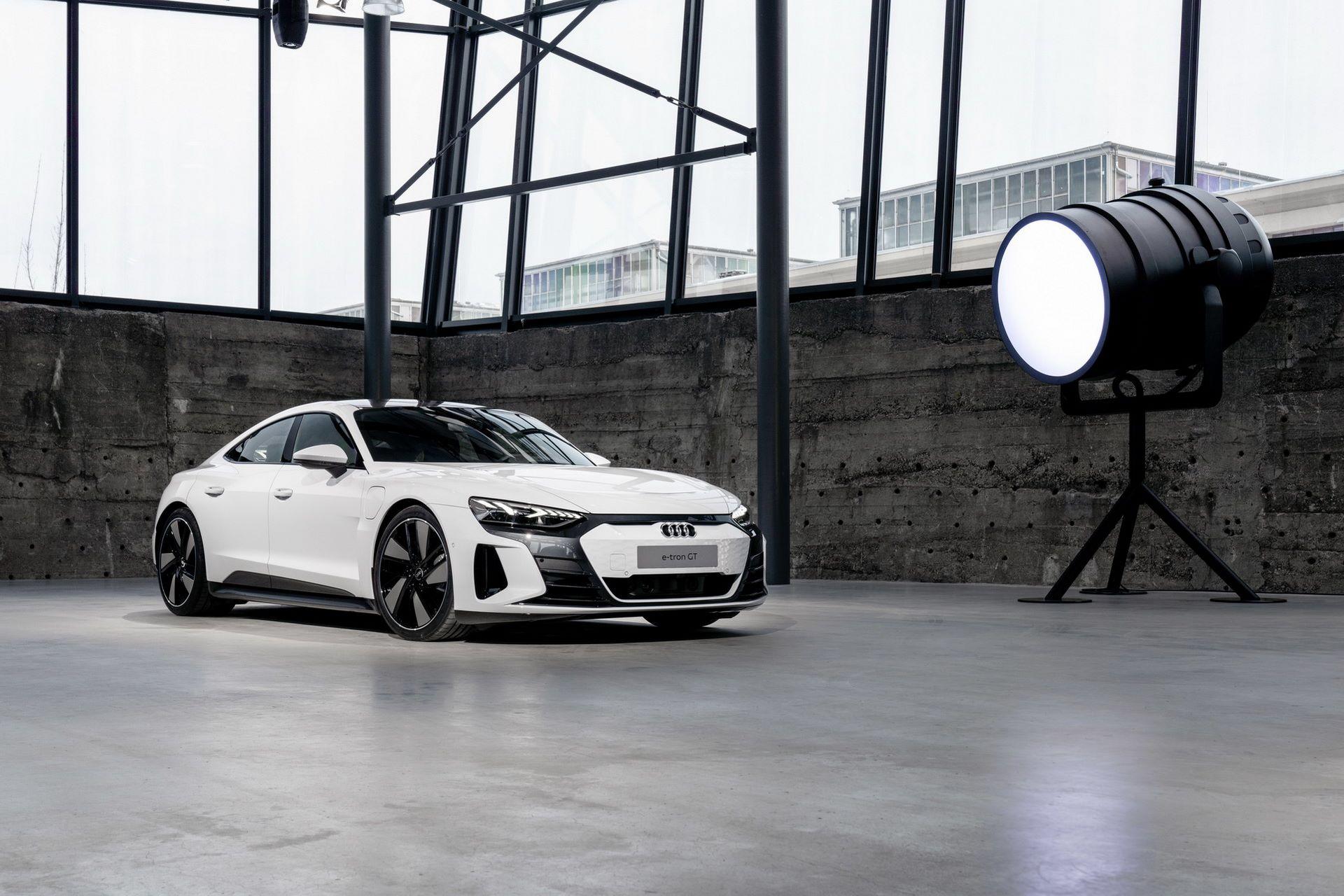 2022-Audi-e-tron-GT-10