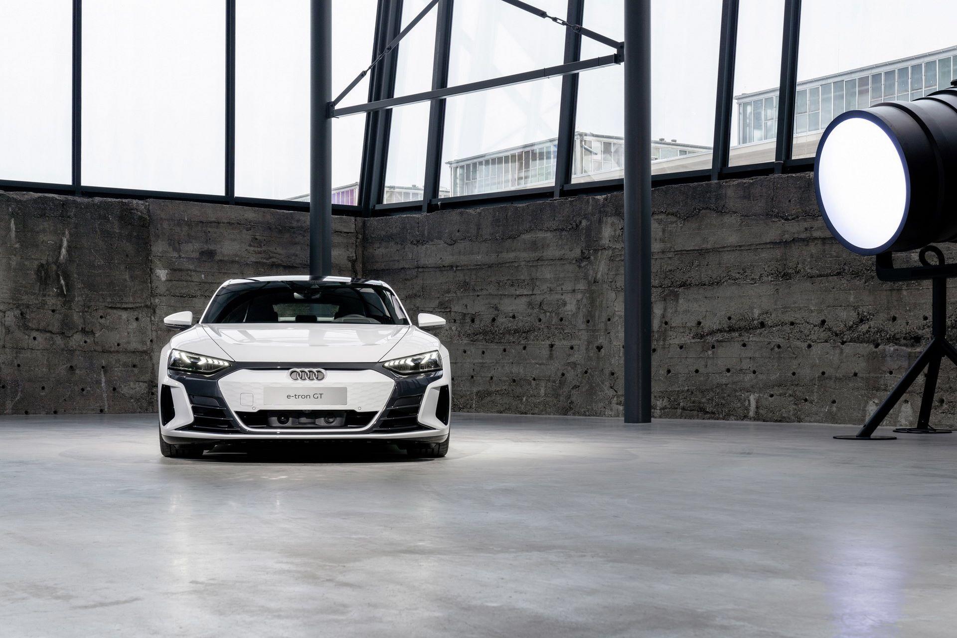 2022-Audi-e-tron-GT-12
