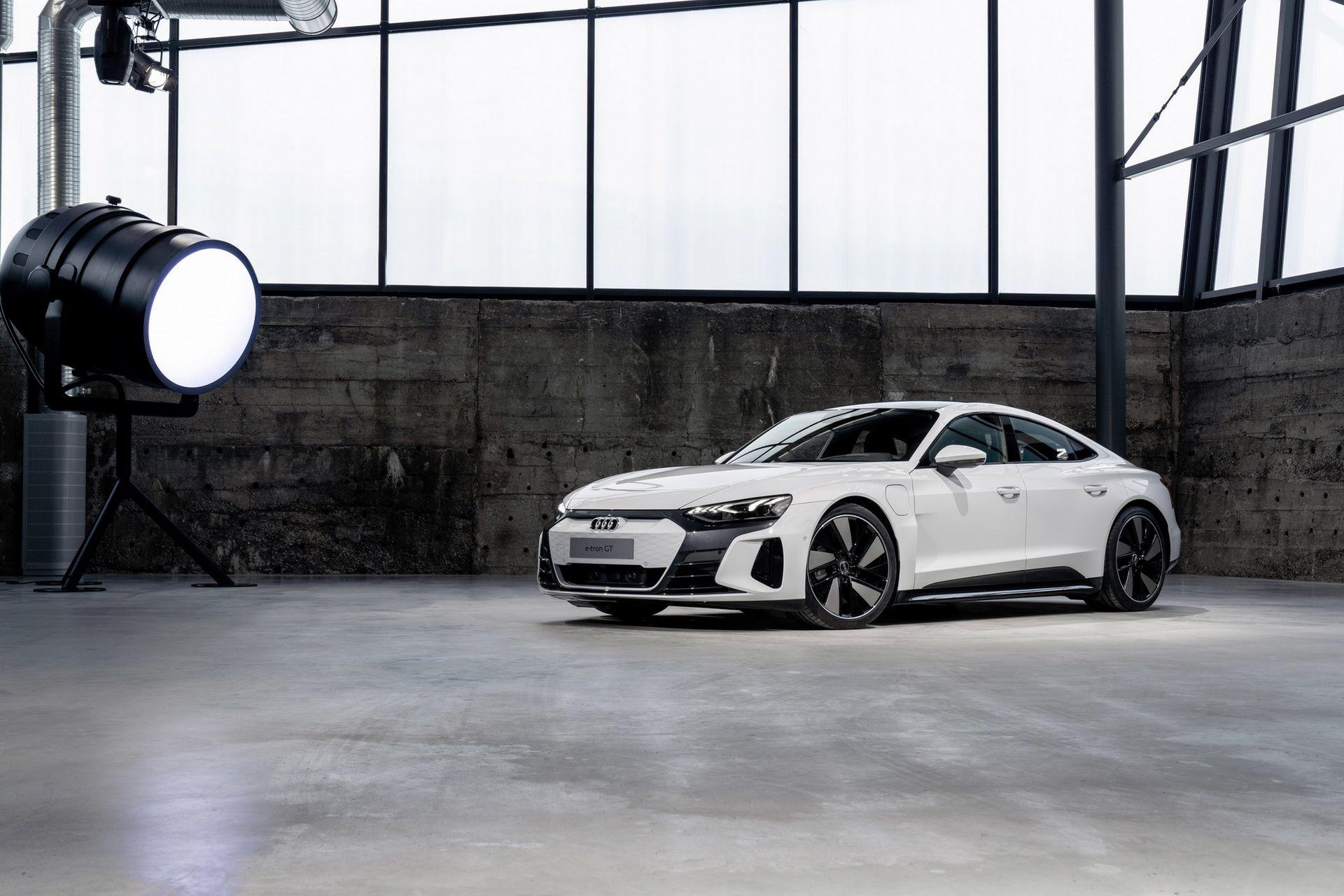2022-Audi-e-tron-GT-13
