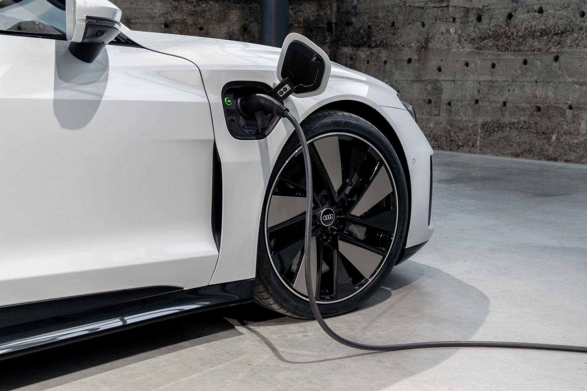 2022-Audi-e-tron-GT-17