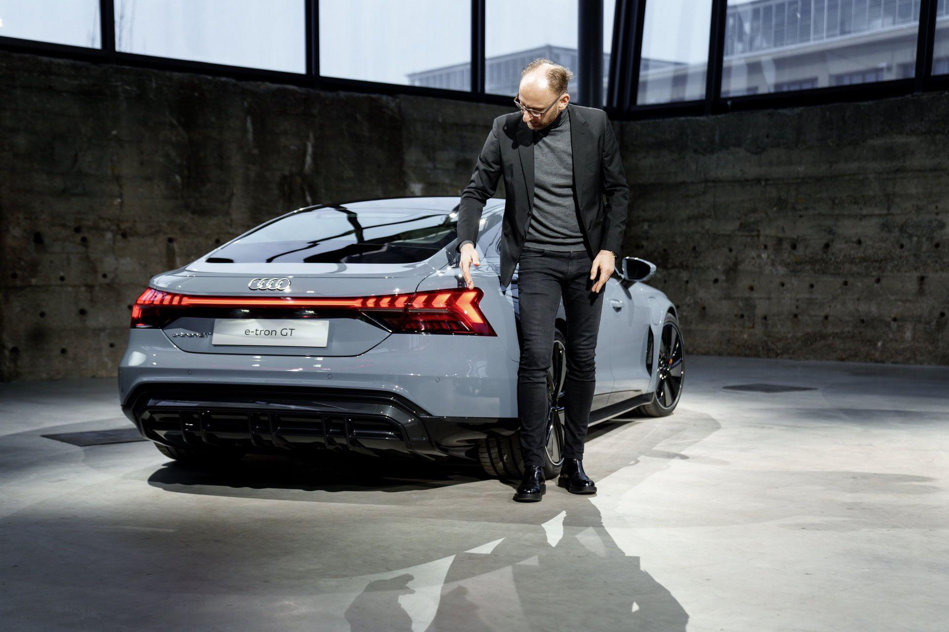 2022-Audi-e-tron-GT-2